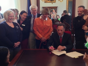 Governor signing group